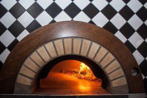 peć na drva za pizzu